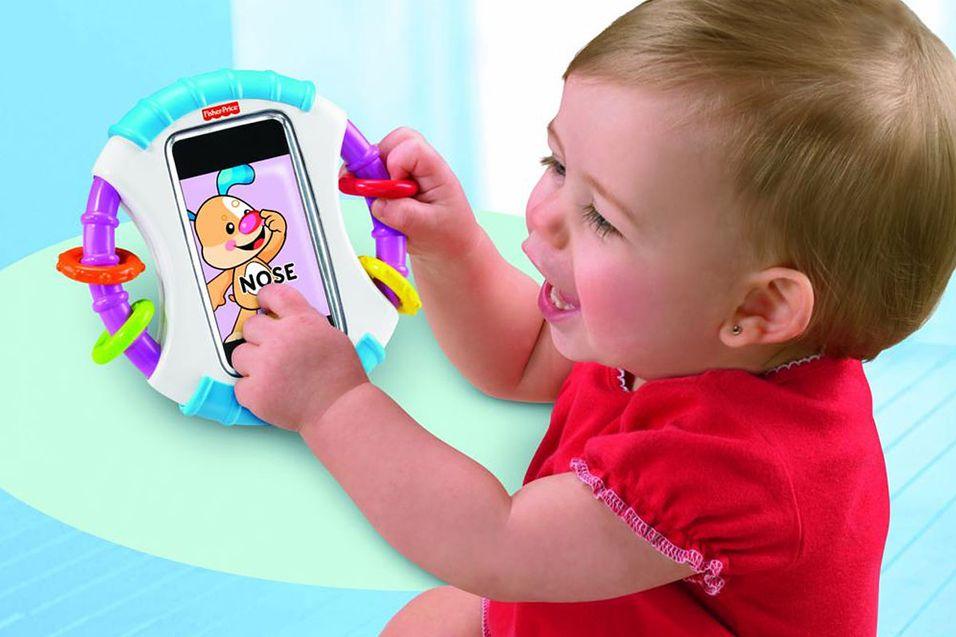 Endelig kan babyen få leke med pappas iPhone