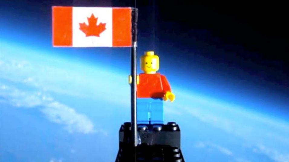 Tenåringer sendte Lego-mann til verdensrommet