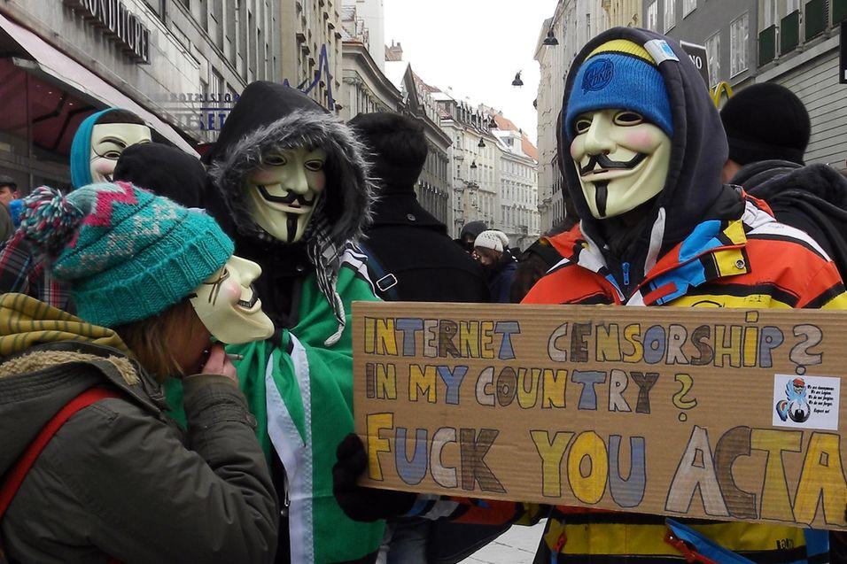 Demonstranter i Wien 11. februar. Foto: Haeferl