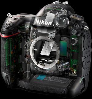 Nikon mener innmaten i deres kameraer er såpass sofistikert at det krever spesialkompetanse.