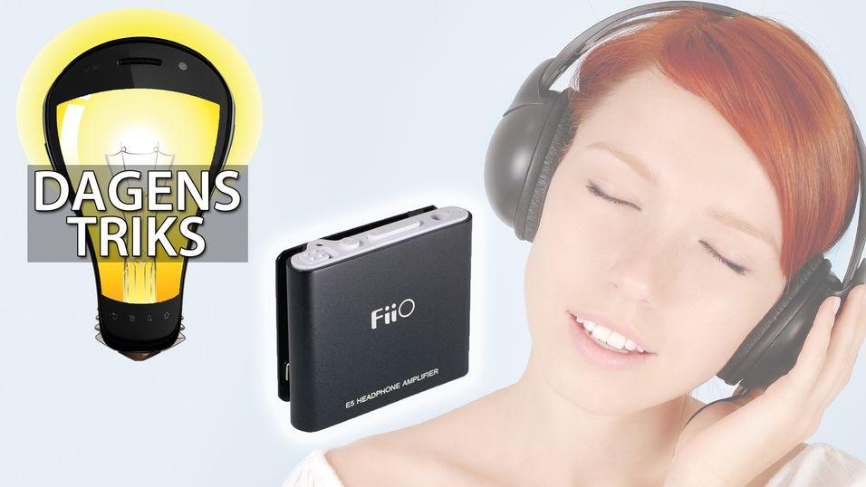 En kompakt og billig forsterker som den på bildet kan gi deg mye bedre lyd.