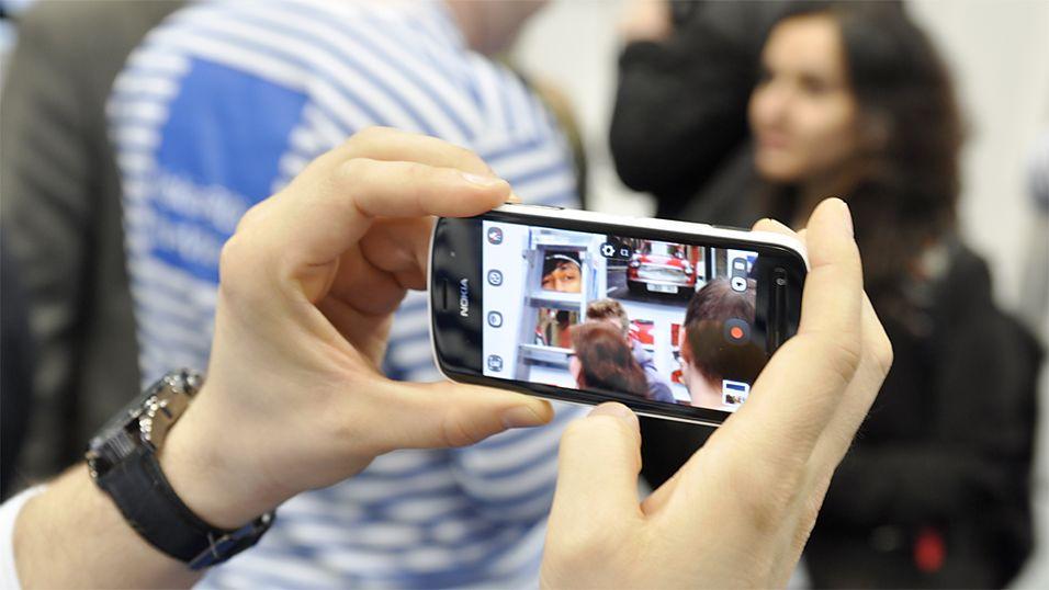 Nokia 808 PureView har kamera på 41 megapiksler. (Foto: Finn Jarle Kvalheim)