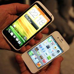 One X har mye større skjerm enn iPhone, men de fleste kan betjene den med én hånd.
