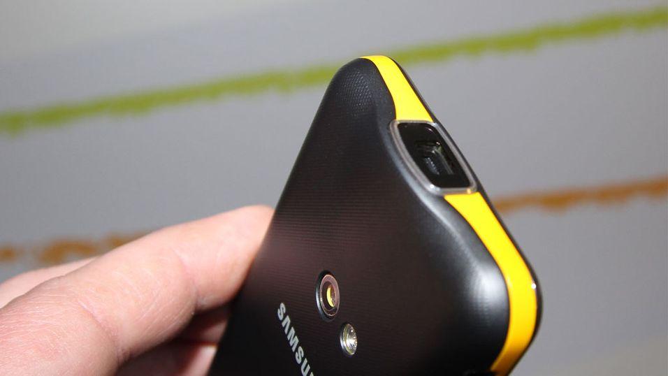 SNIKTITT: Se mobilen som har innebygget videoprojektor