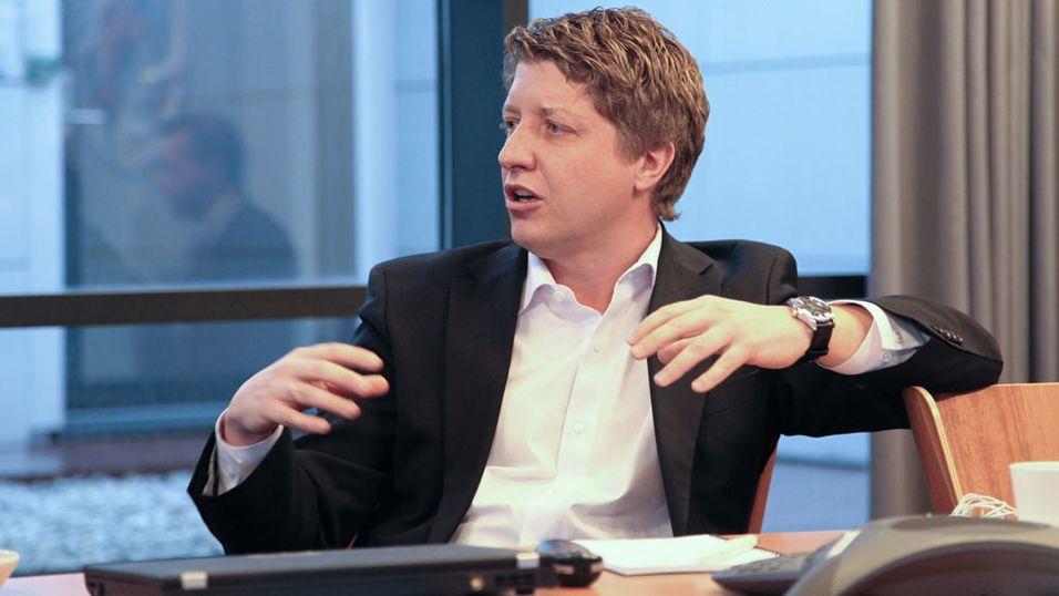 Teknisk direktør i Telenor, Frode Støldal, regner med at veksten og etterspørselen i bruk av mobilt bredbånd de neste årene vil være større enn det er praktisk mulig å bygge ut. Foto: Magnus Blaker, Nettavisen