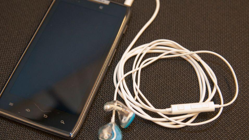 Av det bærbare utstyret vi testet med var det Motorola Razr som ga den beste lyden i HF-2.