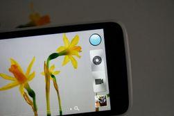Brukergrensesnittet til kameraet er enkelt og oversiktlig. Du kan ta stillbilder samtidig som du filmer.