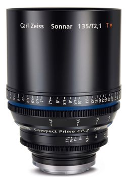 Carl Zeiss Compact Prime CP.2 135mm F2.1 passer kanskje bedre for deg som liker å stå litt lengre unna.