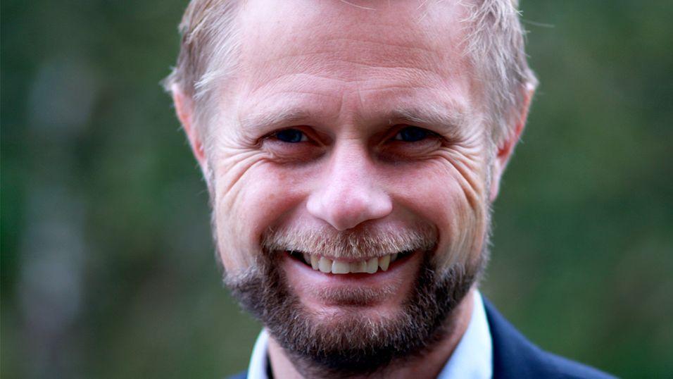 Bent Høie, ledet av stortingets helse- og omsorgskomite.