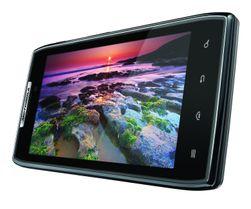 Motorola Razr var én av mobilene vi testet proppene med.
