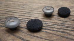 Om du ønsker det kan du bytte størrelse på silikonputen, som igjen kan trekkes med en tynn skumgummi som følger med.