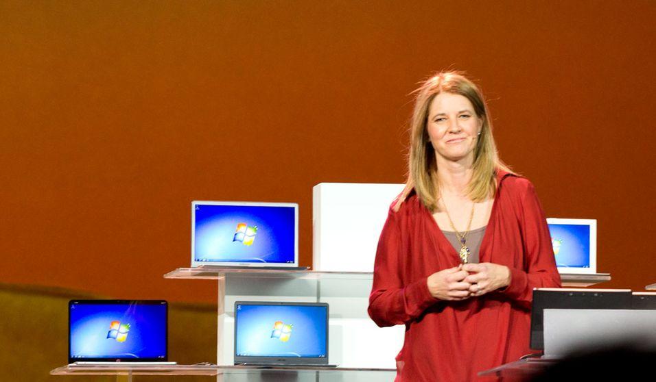 Microsofts sjef for Windows, Tami Reller, på en presentasjon tidligere i år.
