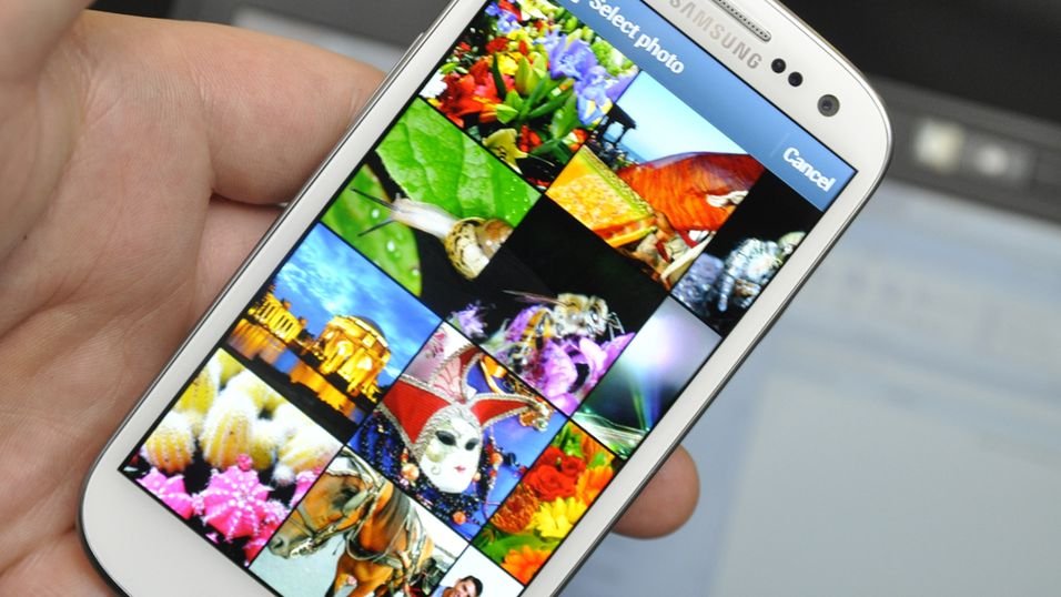 Galaxy S III selger som hakka møkk