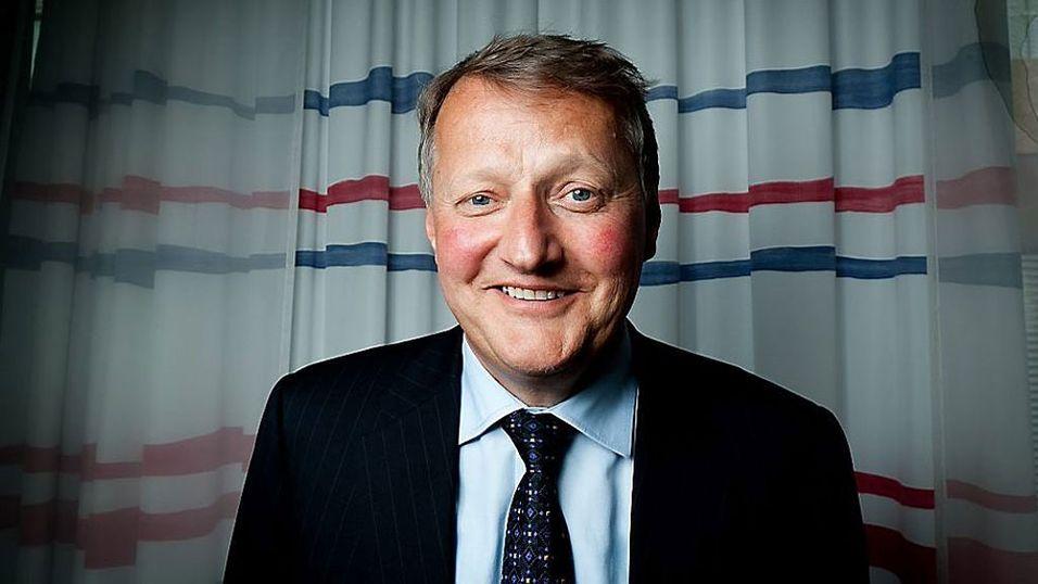 NEDE: DnB, her representert ved banksjef Rune Bjerke, opplevde problemer på mandag. (Foto: Paul Weaver, Mediehuset Nettavisen)