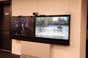 Videoer fra to Cisco-kontorer på hver sin side av kloden. Det er dag i Europa og natt i USA.