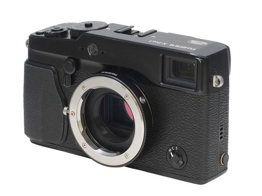Fujifilm X-Pro1 med den nye adapteren.