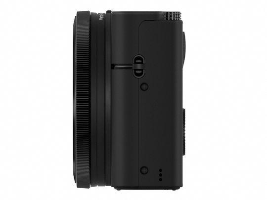 Sony DSC-RX100 sett fra siden.