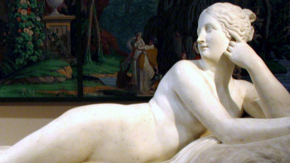 En av de mange statuene hos The Met.