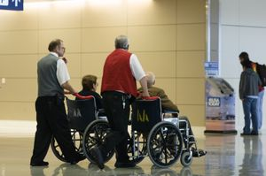 Bevegelseshemmede har rett på assistanse. (Foto: Istockphoto).