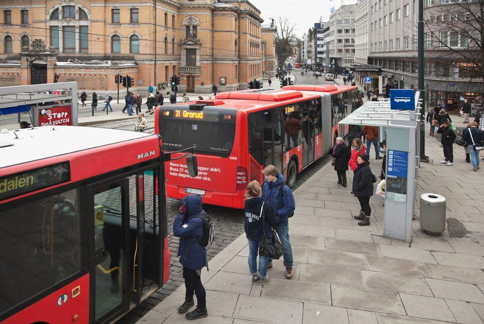 Nå kan du betale buss, trikk og tog med mobilen