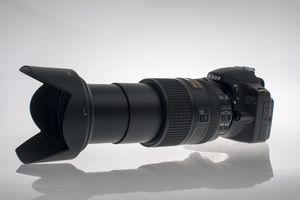 18 - 300 påmontert Nikon D3200.