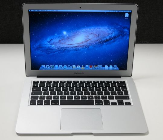 "Apple MacBook Air 13""."