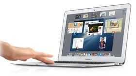 """Apple MacBook_Air 13"""" er liten, lett og har god batteritid."""