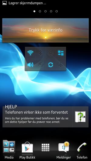 Widgeten i midten av bildet lar deg raskt skru av og på viktige telefonfunksjoner, som Bluetooth, Wi-Fi, dataroaming og GPS.