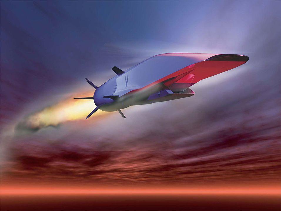 KONSEPT: X-51A Waverider har en toppfart på over Mach 7. Tirsdag gjennomførte amerikanske myndigheter en testflygning av det eksperimentelle overlydsflyet over Stillehavet. Håpet var at maskinen skulle fly i over 300 sekunder.