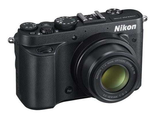 Nikon Coolpix P7700.