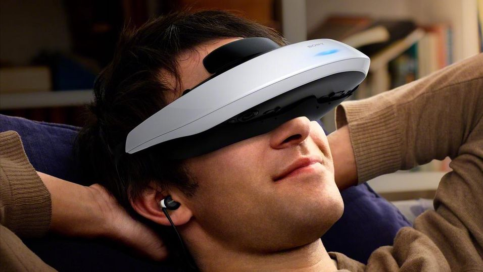 Sony Personal 3D Viewer HMZ-T2.