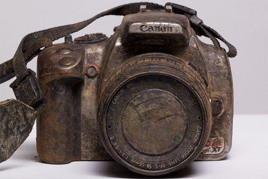 Slik ser et Canon EOS 350D ut etter å ha ligget tre år i en elv.