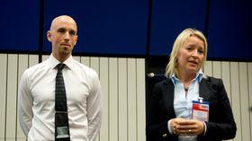 Salgssjef André Hesselroth og kommunikasjonssjef Åshild Indresøvde i Elkjøp Norge presenterte resultatene fra en kundeundersøkelse som er kjørt fast siden 2008.