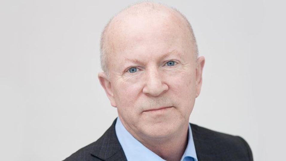 Torstein Olsen i Post- og teletilsynet er fornøyd med de nye porteringsreglene bransjen nå er blitt enige om.