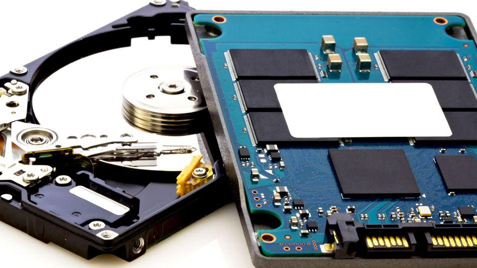 Western Digital jobber med en 5 millimeter tykk hybriddisk.