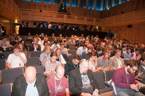 Et stort antall journalister fra hele Europa er på plass for å følge lanseringen. .