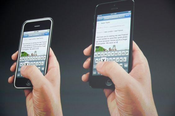 Ny og gammel iPhone ved siden av hverandre.