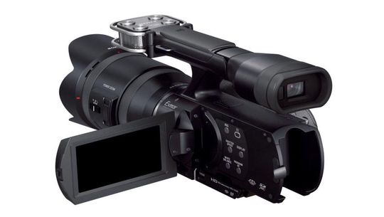 Slik ser Sony NEX-VG900E ut bakfra.