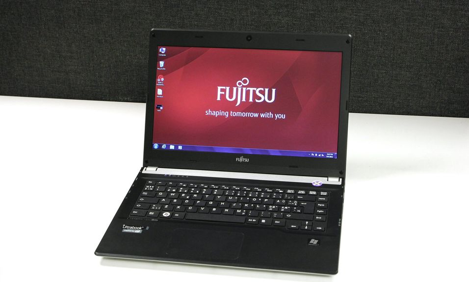 TEST: Fujitsu Lifebook UH572