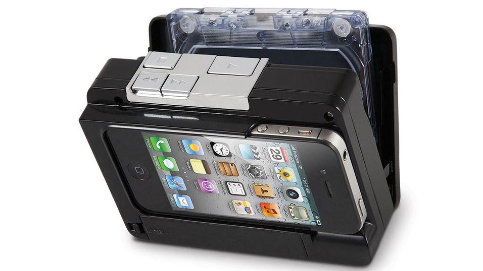 """Gammel og ny teknologi fusjoneres i """"Cassette to iPod Converter""""."""
