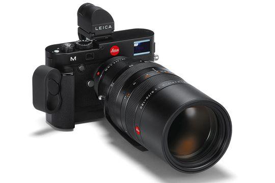 Leica M med elektronisk søker, ekstra grep og Leica R-objektiv.