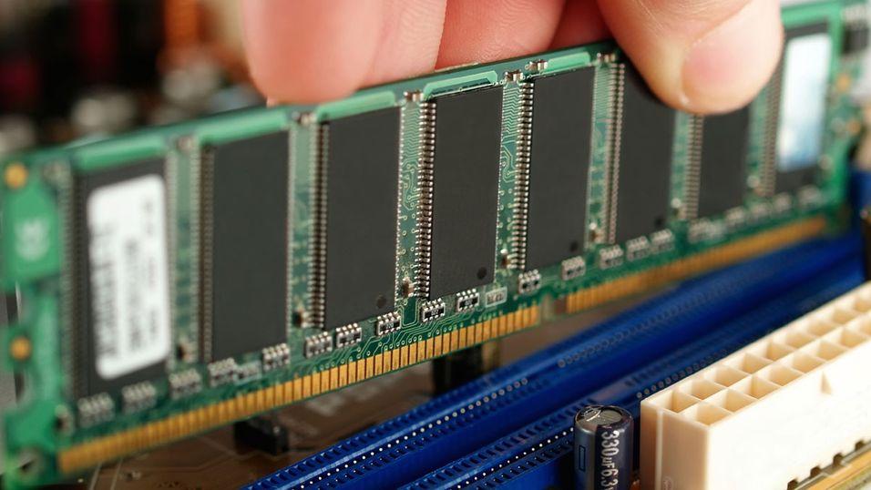 For første gang er det ikke lenger PC-ene dominerende i minnemarkedet. Nettbrett og smarttelefoner spiser innpå.