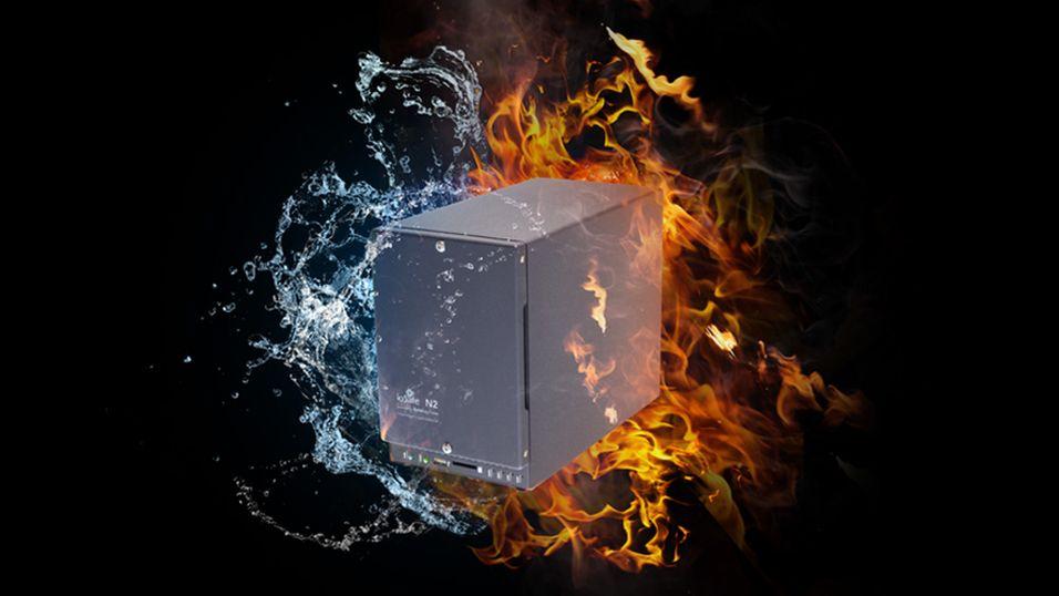 ioSafe N2 tåler vann, ild og en smekk på lanken.