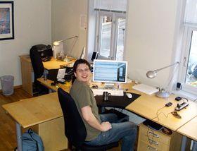 Amobil fikk sine første kontorer i 2006.