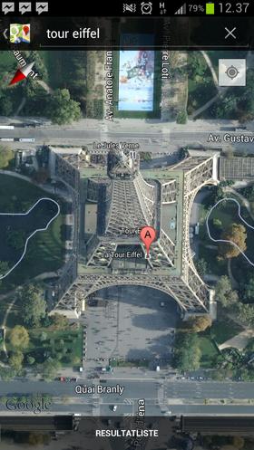 Slik ser Eiffel-tårnet ut på satellittbildene i Google Maps.