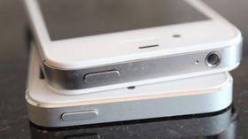Både iPhone 4S (øverst) og iPhone 5 (under) solgte godt før jul.