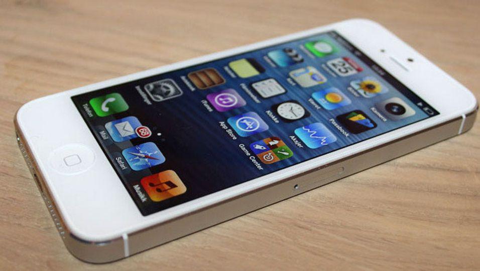 Halvparten av alle iPhone-kunder sitter på gjerdet