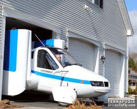 I GARASJEN: For 300 000 dollar kan en Terrafugia Transition være din. Kanskje får du akkurat plass til den i garasjen.