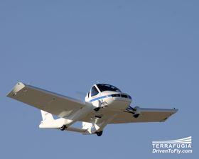 I LUFTEN: På noen minutter er Transition omgjort til et fly og klar for en tur i luften.
