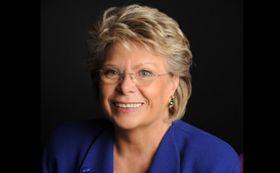 Viviane Reding er ikke fornøyd med hvordan Apple unngår å fortelle om hvordan garantier fungerer i EU.